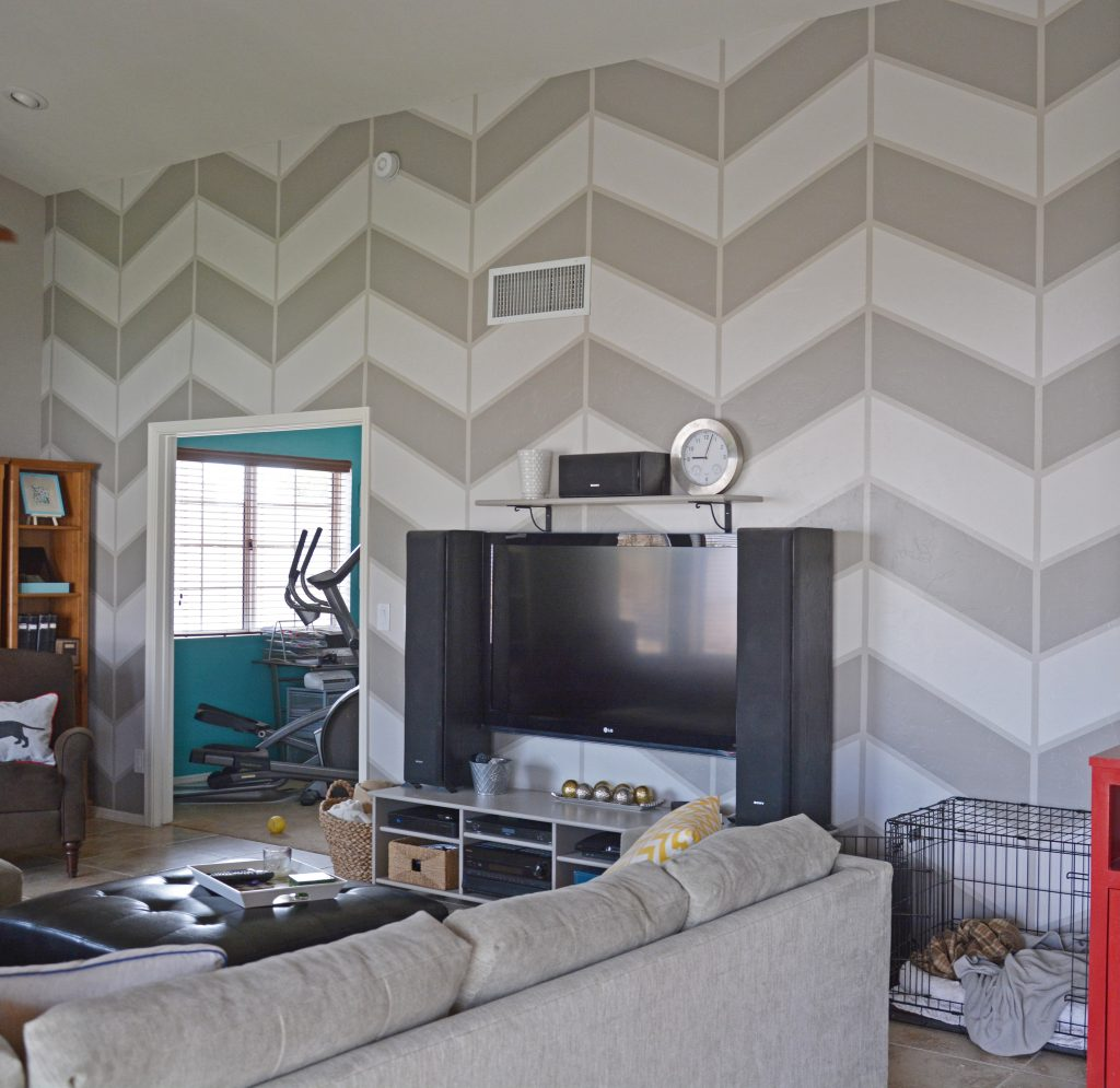 large-wall-in-living-room-with-greay-large-scale-painted-herringbone-pattern