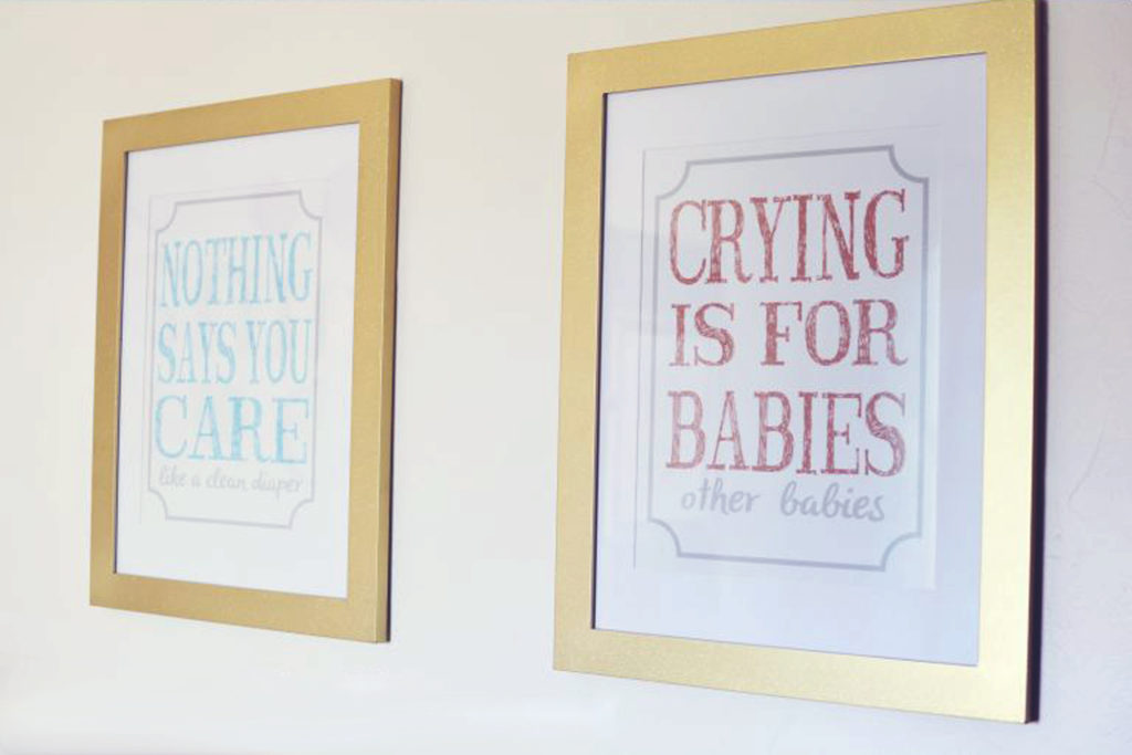 funny-nursery-art-in-gold-glitter-frames